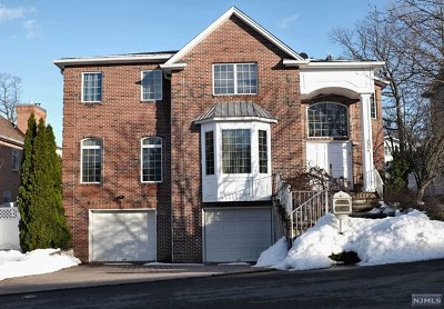 Englewood Cliffs Single Family Home For Sale: 261 Marietta Street