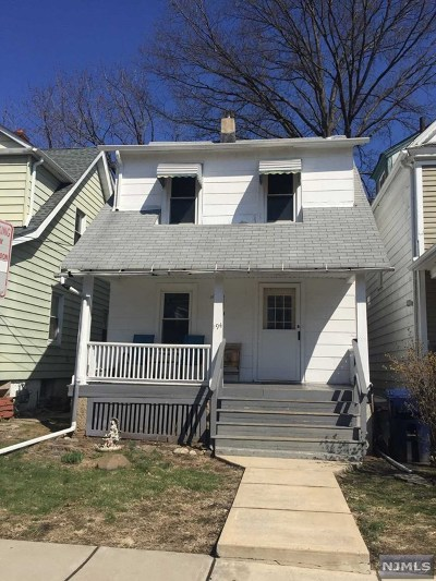 Hackensack Single Family Home For Sale: 194 Clay Street