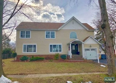 New Milford Single Family Home For Sale: 310 Lacey Drive