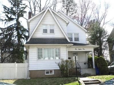 Englewood Single Family Home For Sale: 284 Lantana Avenue