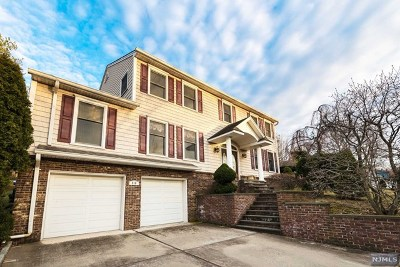 Leonia Single Family Home For Sale: 516 Pine Hill Road
