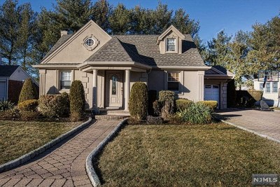 New Milford Single Family Home For Sale: 269 Birchwood Road