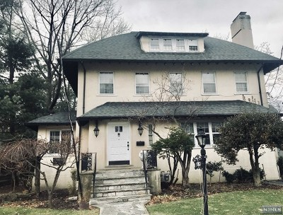 Fort Lee Single Family Home For Sale: 1085 Dearborn Road