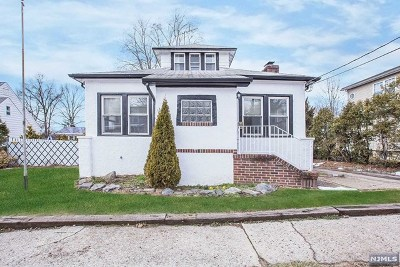 Saddle Brook Single Family Home For Sale: 39 Garden Street