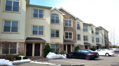 Secaucus NJ Condo/Townhouse For Sale: $517,900