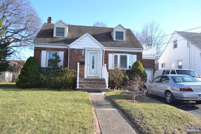 Saddle Brook Single Family Home For Sale: 120 Pehle Avenue