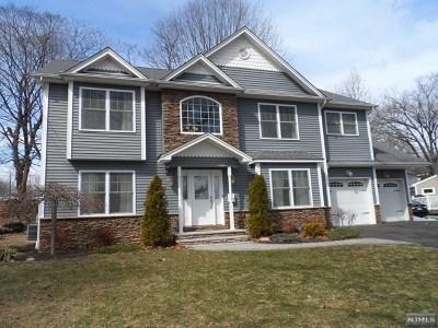 Paramus Single Family Home For Sale: 237 Bogert Place