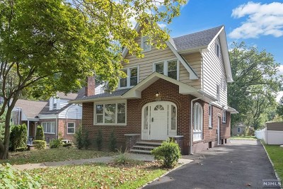 Teaneck Single Family Home For Sale: 1277 West Laurelton Parkway