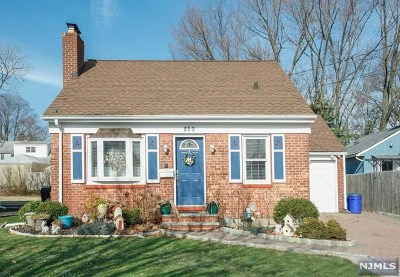 Maywood Single Family Home For Sale: 859 Maywood Avenue