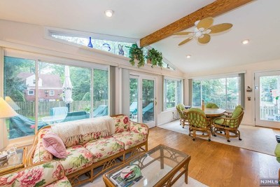 Teaneck Single Family Home For Sale: 704 Sunderland Road