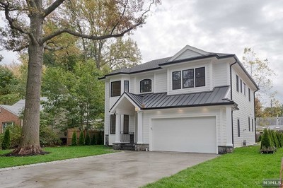 Tenafly Single Family Home For Sale: 62 Day Avenue