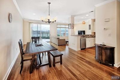 Guttenberg NJ Condo/Townhouse For Sale: $749,000