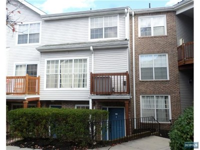 Fort Lee Condo/Townhouse For Sale: 448 Lee Court #4229