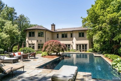 Tenafly Single Family Home For Sale: 12 Knoll Road