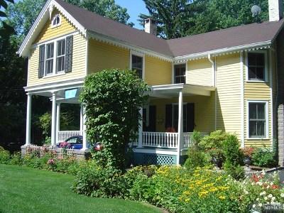 Tenafly Single Family Home For Sale: 523 Knickerbocker Road