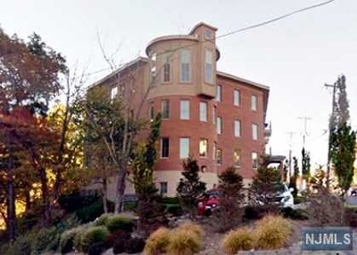 Condo/Townhouse For Sale: 250 Laird Avenue #C0302