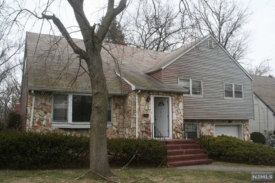 Teaneck Single Family Home For Sale: 209 Voorhees Street