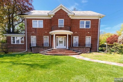 Teaneck Single Family Home For Sale: 662 Queen Anne Road