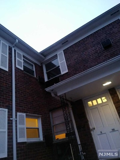 Teaneck Condo/Townhouse For Sale: 1266 Teaneck Road #5