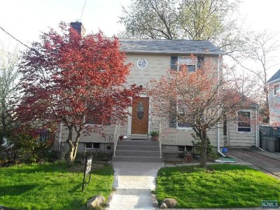 River Edge Single Family Home For Sale: 79 Spring Valley Avenue