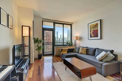 Jersey City Condo/Townhouse For Sale: 389 Washington Street #18g