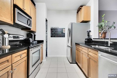 West New York Condo/Townhouse For Sale: 26 Ave At Port Imperial #317