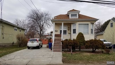 Moonachie Single Family Home For Sale: 14 Concord Street