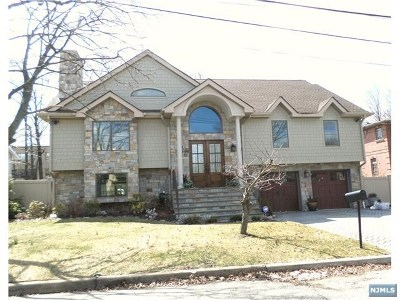 Englewood Cliffs Single Family Home For Sale: 36 Sherwood Avenue
