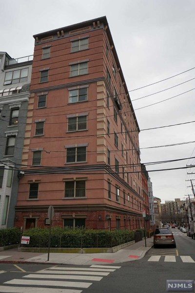Hoboken Rental For Rent: 84 Bloomfield Street #16