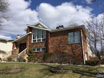 Englewood Cliffs Single Family Home For Sale: 45 Ash Street