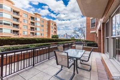 West New York Condo/Townhouse For Sale: 22 Ave At Port Imperial #111