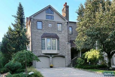 Saddle River Condo/Townhouse For Sale: 2 Stratford Court