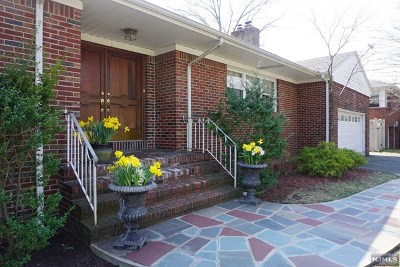 Fort Lee Single Family Home For Sale: 272 Warwick Avenue