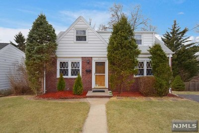 Rochelle Park Single Family Home For Sale: 55 South Drive