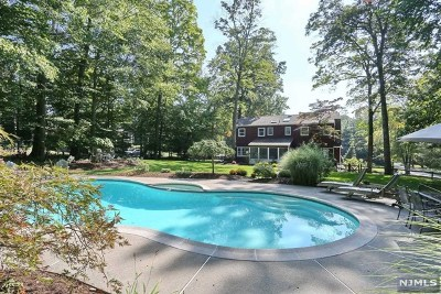 Upper Saddle River Single Family Home For Sale: 59 Mill Glen Road