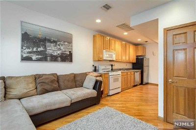 Hoboken Condo/Townhouse For Sale: 518 Park Avenue #3l