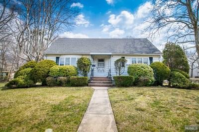 Paramus Single Family Home For Sale: 252 Gorden Drive
