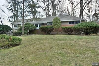 Hillsdale Single Family Home For Sale: 150 Oak Trail Road