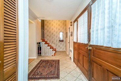 Woodcliff Lake Single Family Home For Sale: 66 Somerset Drive