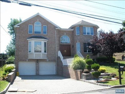 Englewood Cliffs Single Family Home For Sale: 53 Center Street