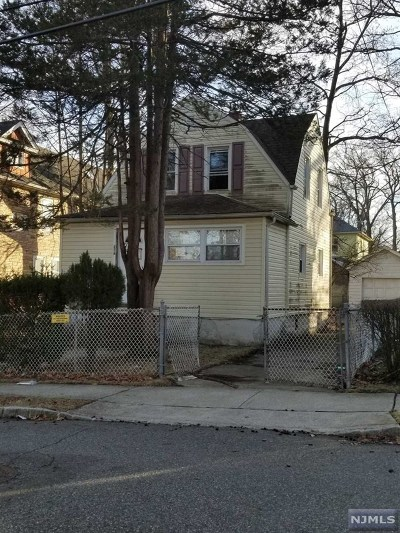 Englewood Single Family Home For Sale: 276 Washington Place
