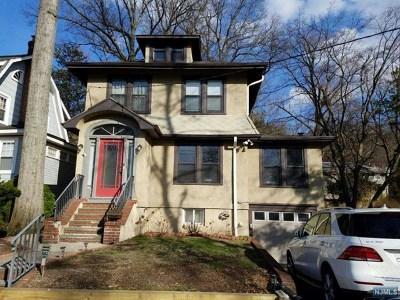 Leonia Single Family Home For Sale: 69 Glenwood Avenue