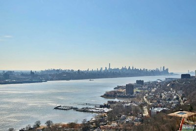 Fort Lee Condo/Townhouse For Sale: 200 Old Palisade Road #24g