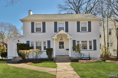 Teaneck Single Family Home For Sale: 901 Garrison Avenue