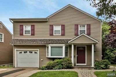 Paramus Single Family Home For Sale: 406 Burlington Road