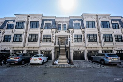 Edgewater Condo/Townhouse For Sale: 40 Marquis Court
