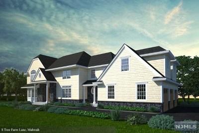 Mahwah Single Family Home For Sale: 8 Tree Farm Lane