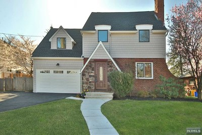 Teaneck Single Family Home For Sale: 1245 Sussex Road