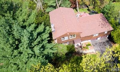 Glen Rock Single Family Home For Sale: 11 Diamond Court