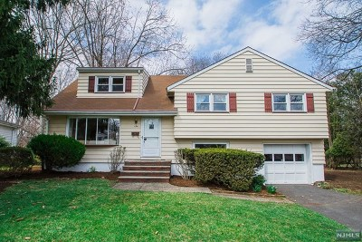 Glen Rock Single Family Home For Sale: 154 Chadwick Place